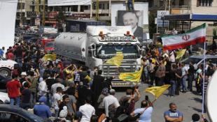 الأخبار حزب الله يكسر «المحرّمات»: النفط الإيراني في لبنان عبر سوريا | رفع الدعم عن المحروقات: البنزين بـ 180 ألفاً والمازوت بالدولار!